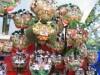 大宮・氷川神社で冬の風物詩「十日市」 熊手買う「手締め」の声で賑わう