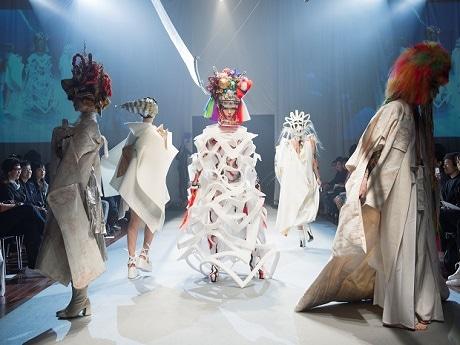 昨年のファッションショーの様子