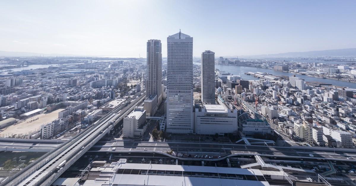 大阪ベイタワー外観