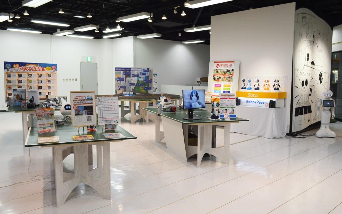 タッチ&プレイスペースには、約20台のテクノロジー製品を展示