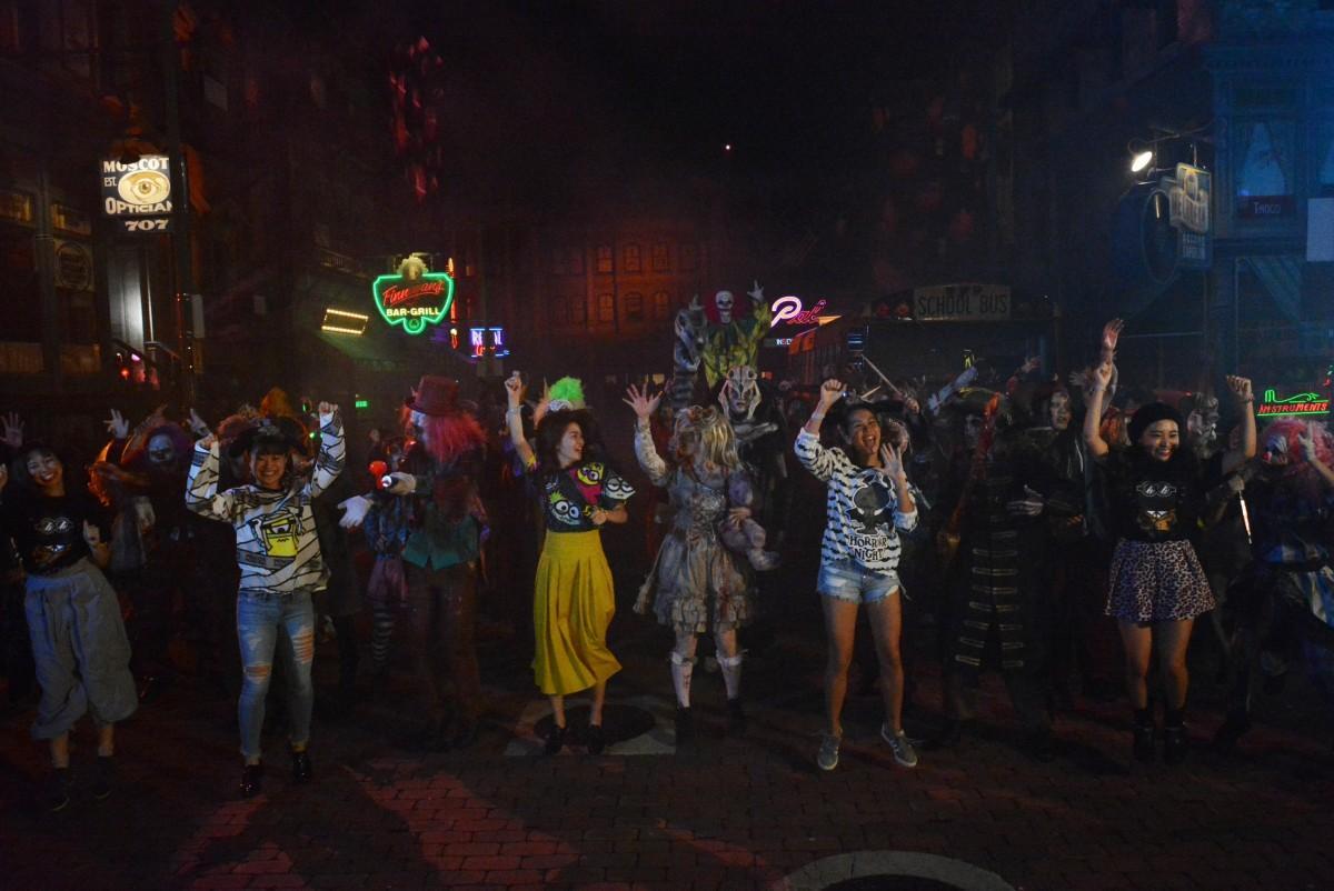 ゲストと共に踊る「ゾンビ・デ・ダンス」