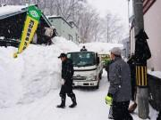 小樽で福祉除雪ボランティア 高齢者宅などを除排雪、市内企業も参加