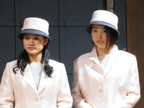 左から村上千草 (むらかみ ちぐさ)さんと山口紗希 (やまぐち さき)さん