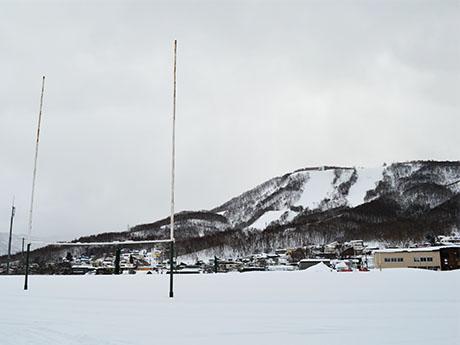 歩くスキーコースから望む天狗山
