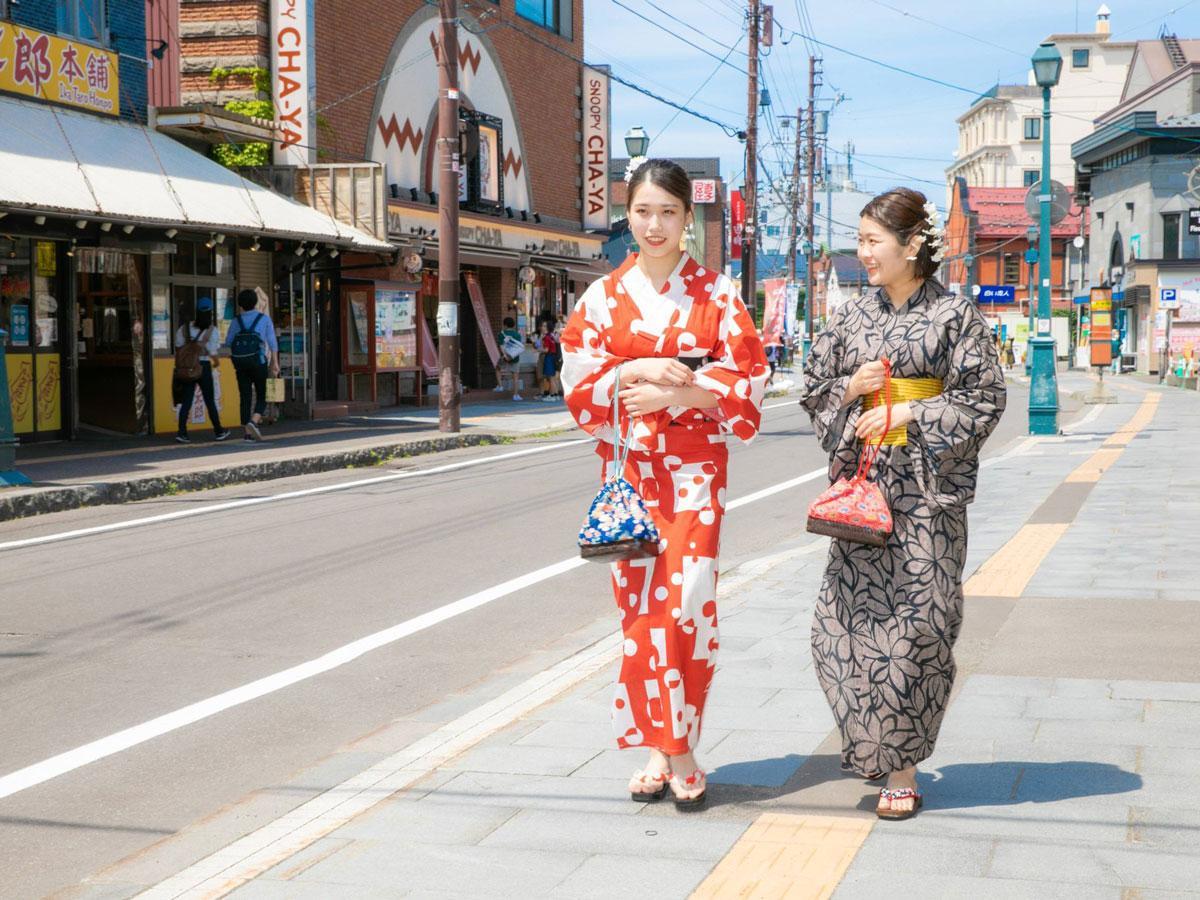 小樽堺町通り商店街の様子