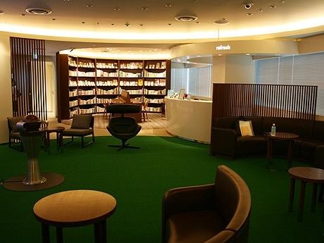 東京ミッドタウンに、「夢」がテーマのコミュニケーションスペース「d-labo」がオープン。写真は「d-labo」内観。