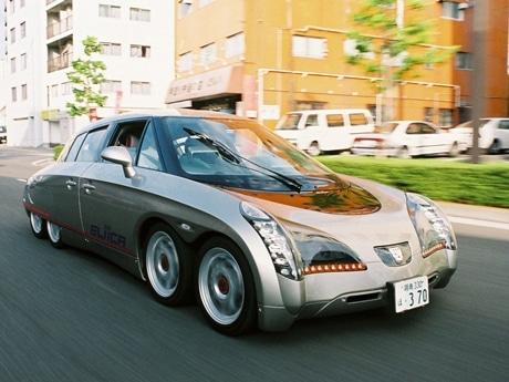 写真=電気自動車「Eliica(エリーカ)」