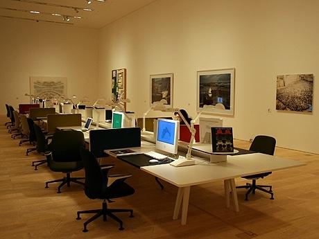 写真=「造られた世界」の展示風景