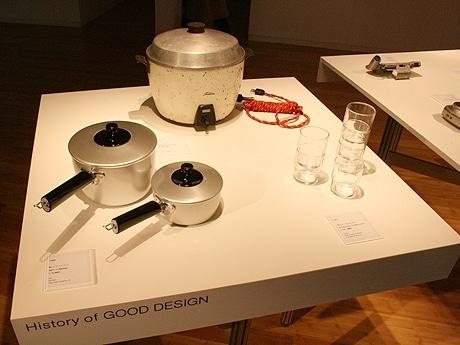 写真=「東京ミッドタウン・デザインハブ」で展示される過去のグッドデザイン受賞作