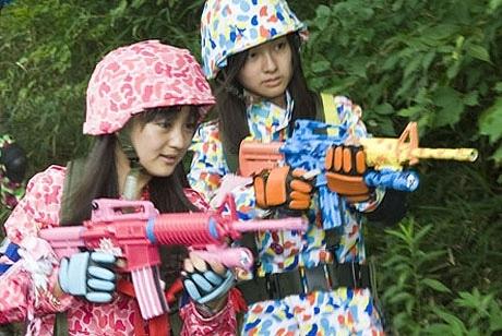 写真=映画「誰も死なない」©2008 Kaikai Kiki Co.,Ltd.All rights Reserved.photo/Hideyuki Motegi