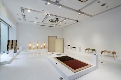 デザイナー6人の作品が展示された会場。