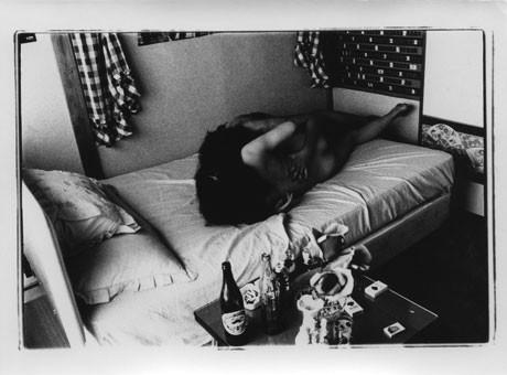 「タカ・イシイギャラリー フォト/フィルム」オープニンフを飾る荒木経惟さんの個展「愛の劇場」より