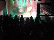 大学生のミニ音楽会社が復興支援ライブ-麻布台のライブスペースで