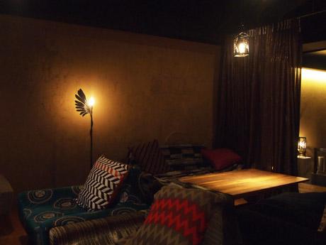 カフェに設置されたランプ