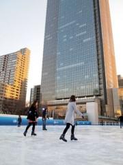 東京ミッドタウンに冬恒例スケートリンク 都内最大級