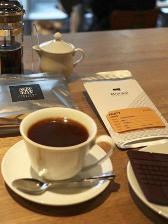 西麻布の「丸山珈琲」、チョコレートショップとのコラボ商品提供