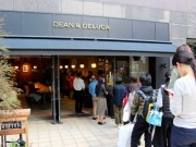 麻布十番に「DEAN & DELUCA」 地域密着型の店舗目指す