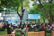 ミッドタウンに期間限定・屋外カフェ ハイボールや和食メニュー提供