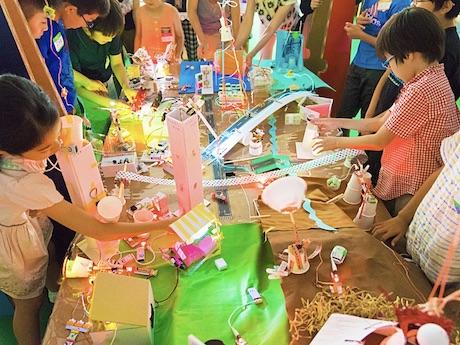 子どもたちを対象にしたワークショップ「littleBitsで街づくり! ~みんなのヒルズをつくってみよう~」の様子