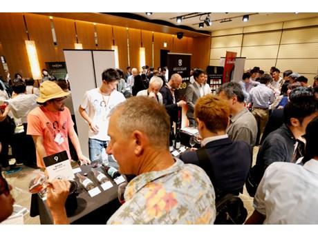 日中に開催のワイン業界関係者向けの試飲商談会