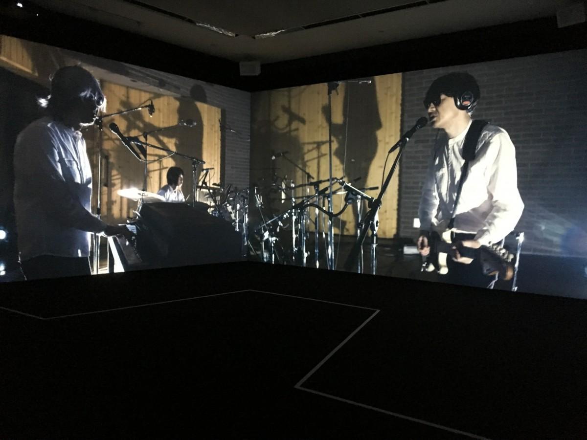 21_21 DESIGN SIGHTで開催中の「AUDIO ARCHITECTURE:音のアーキテクチャ展」)(稲垣哲朗「スタジオライブ映像」)