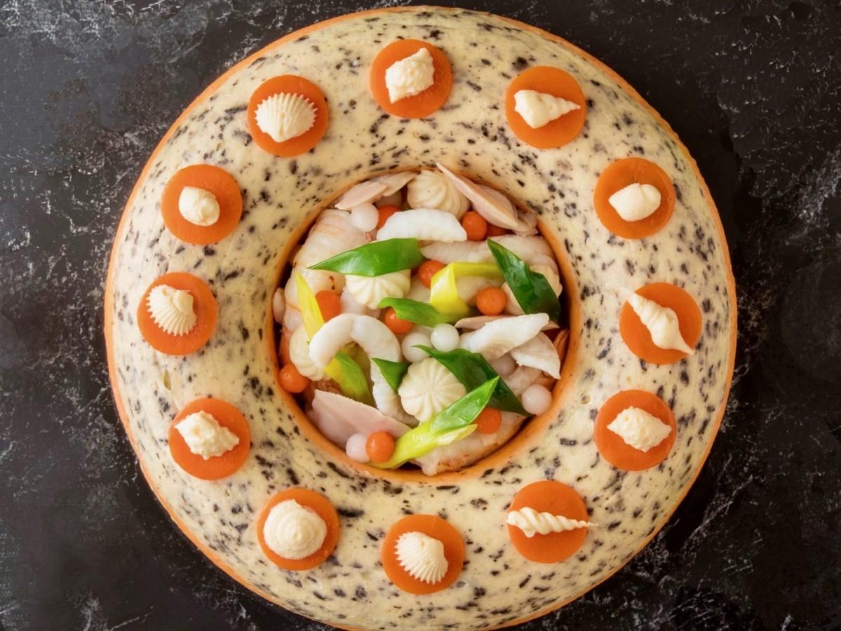 フランスの大会で優勝した料理「舌平目のターバン仕立て」