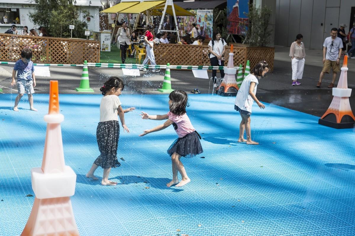 「東京タワーちびっこ水遊び広場」開催時の様子
