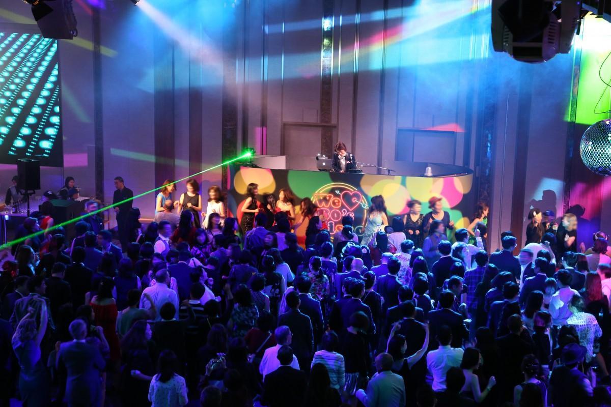 80年代の音楽を楽しめるイベント「We ● 80's Disco」イメージ(●はハートマーク)