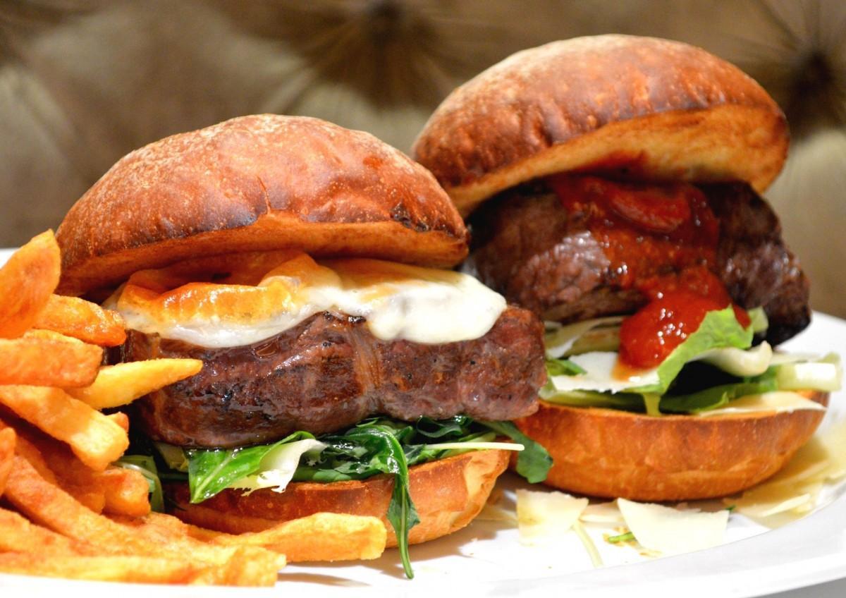 「The Emperors Burger エンペラーバーガー」