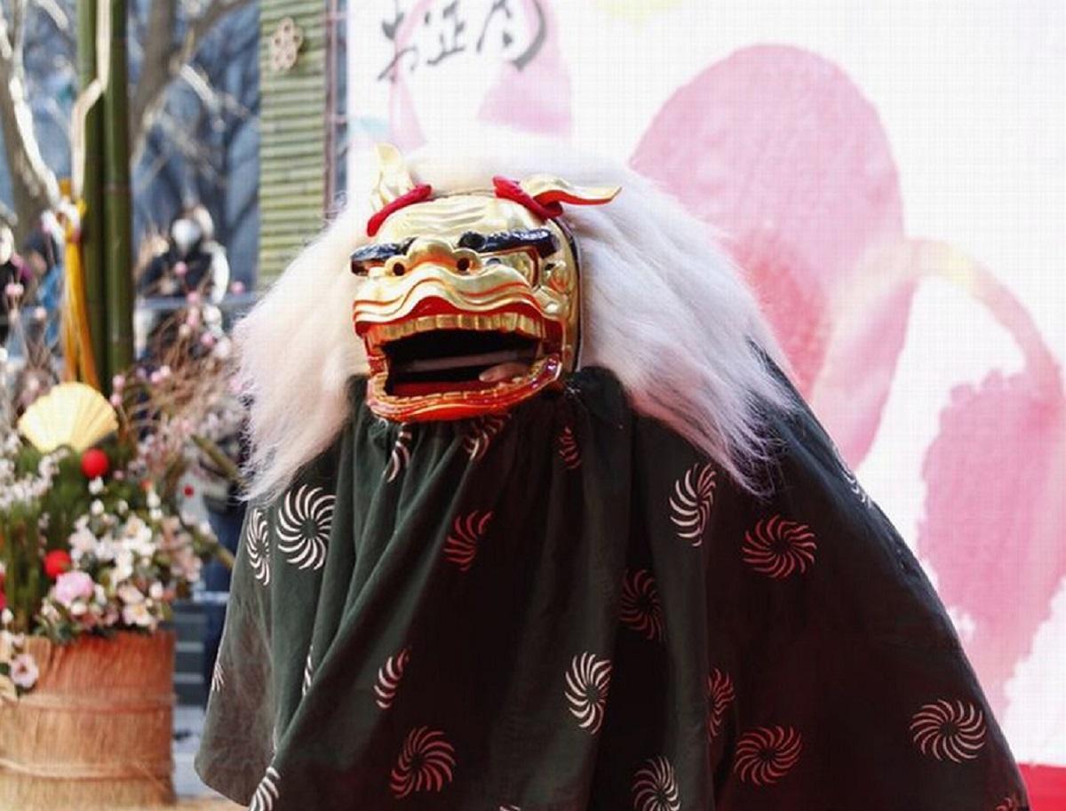 初日に獅子舞も登場する同イベント(昨年の様子)