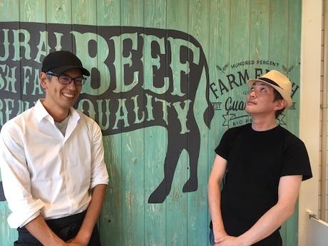 「ビーフ食堂 佐賀店」店主の山口清治さん(左)、店長の森田隆史さん(右)