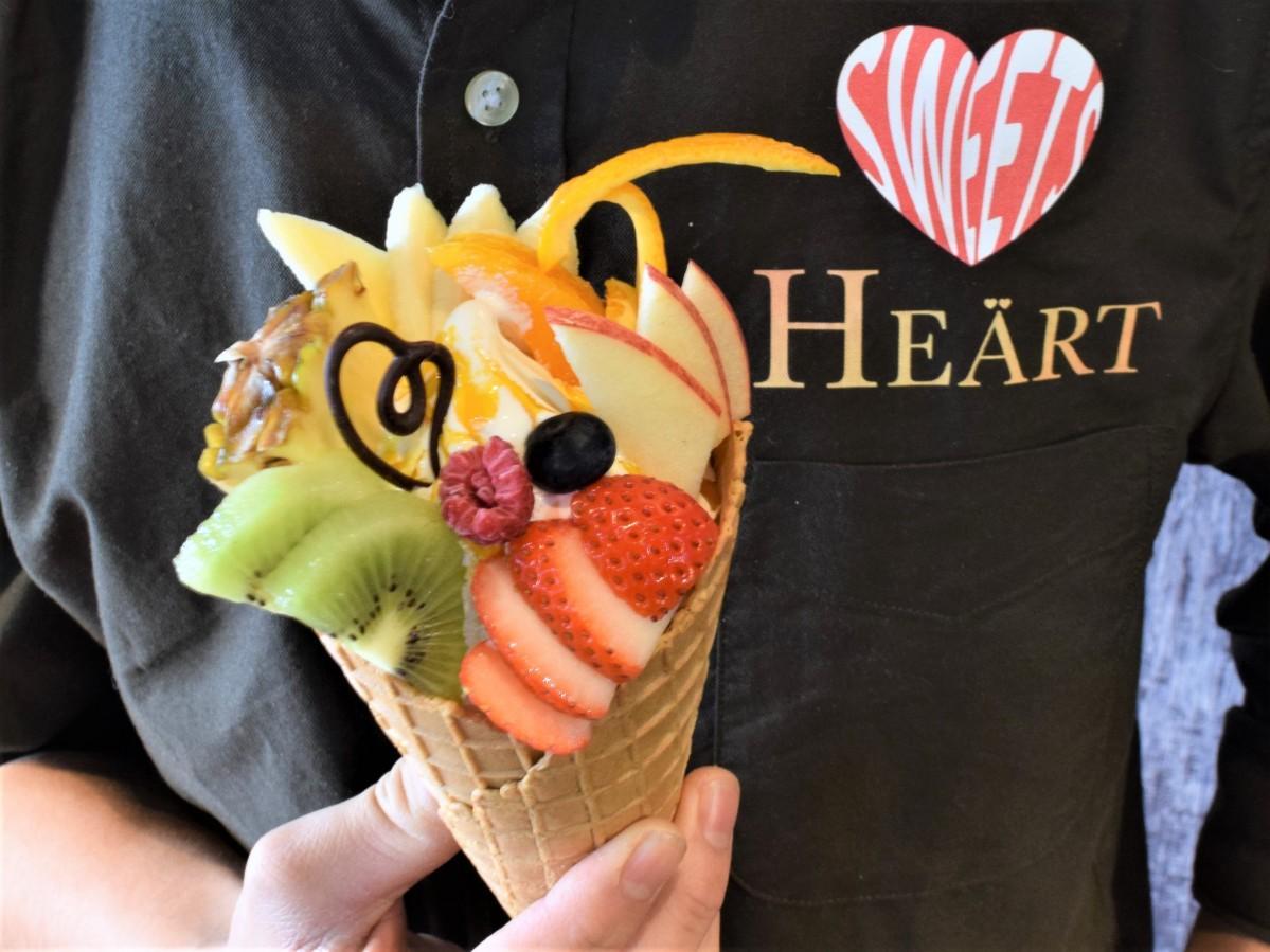 佐賀経・上半期1位に輝いた「Sweets HEART(スイーツ・ハート)」の「フルーツ盛りクレミア」