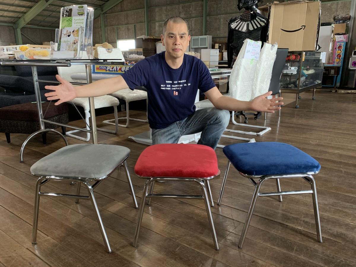 佐賀経・上半期1位に輝いた「ミキティの激安家具shop!」山田店長と「ゲーセン椅子」