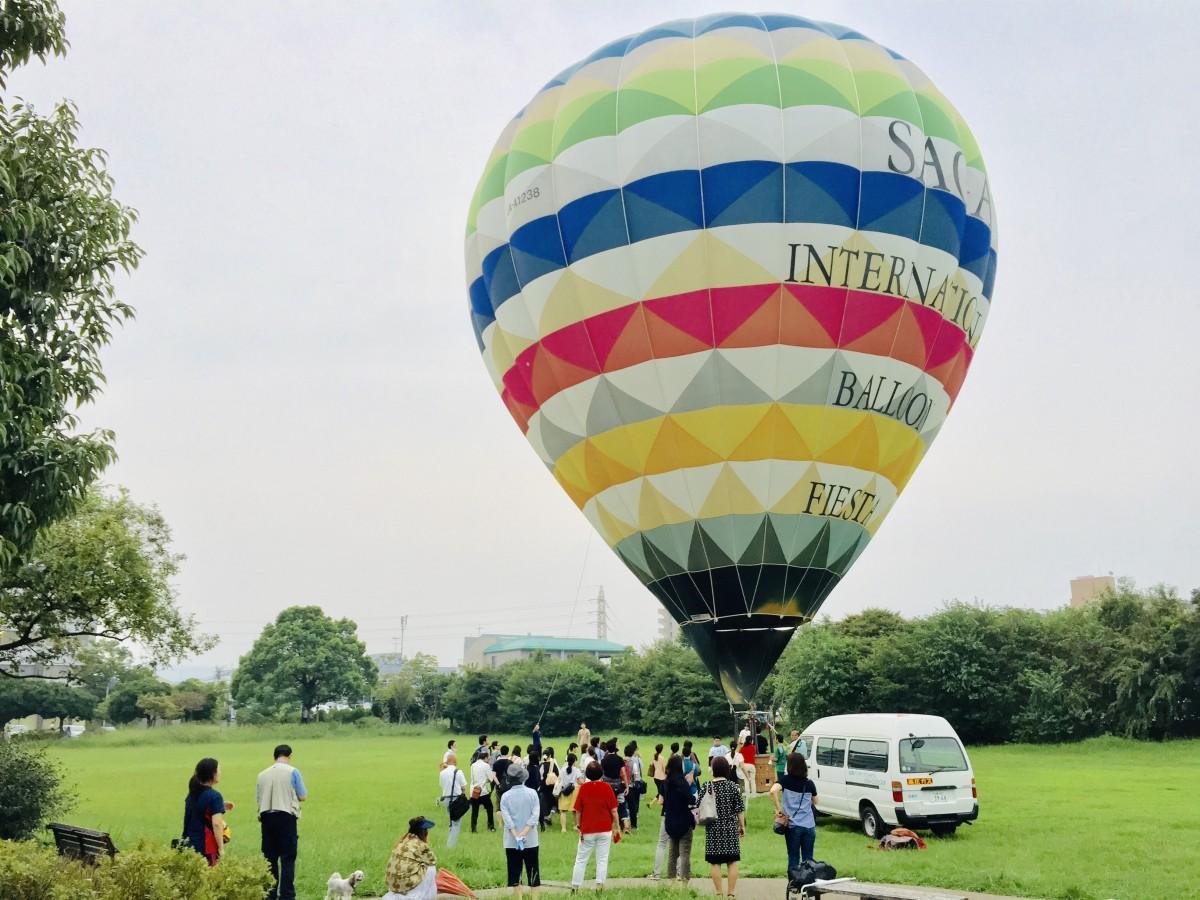 どんどんどんの森公園で係留する熱気球(過去の写真)