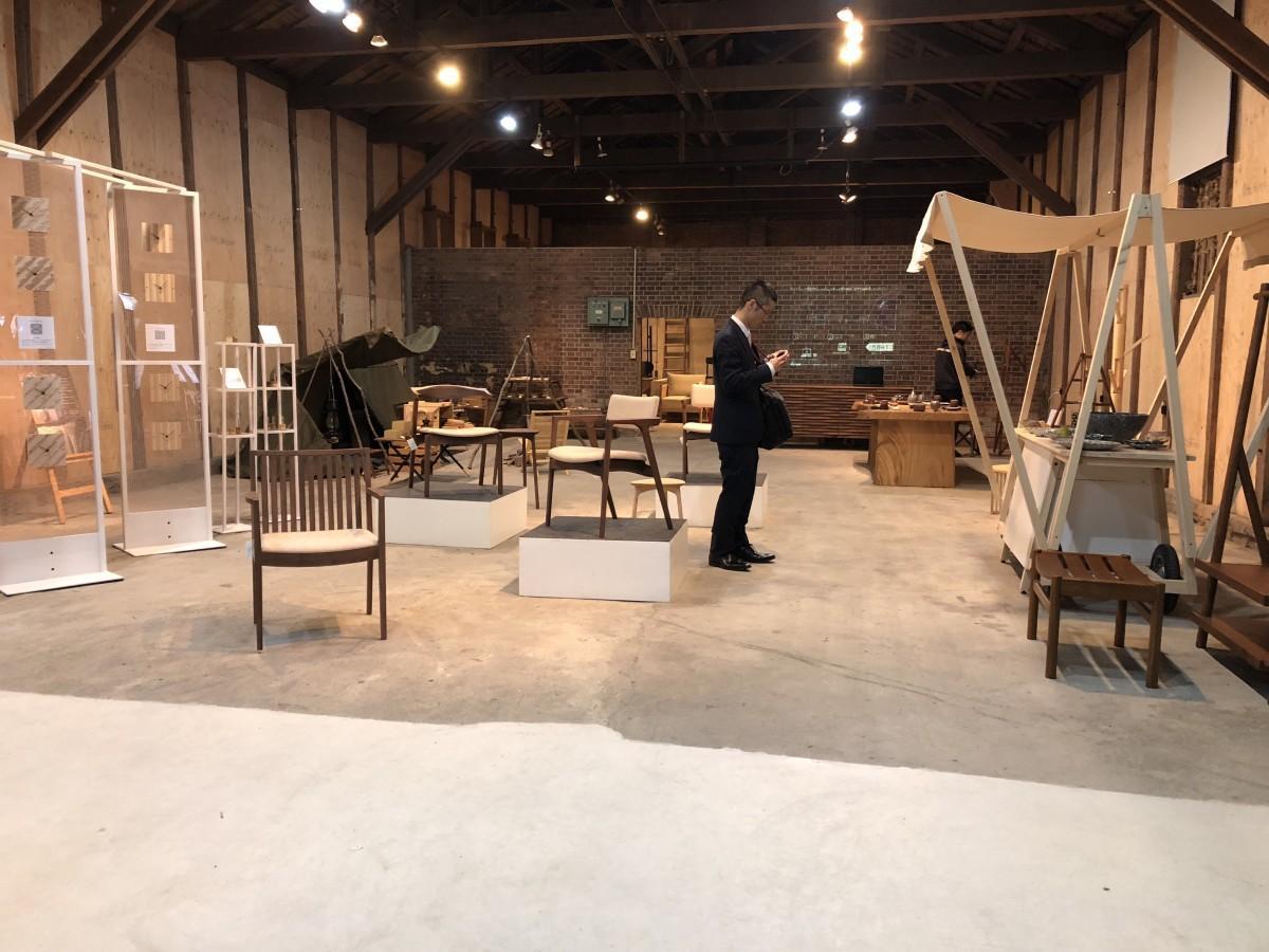 「第10回諸富家具コレクション」展示会場内の様子