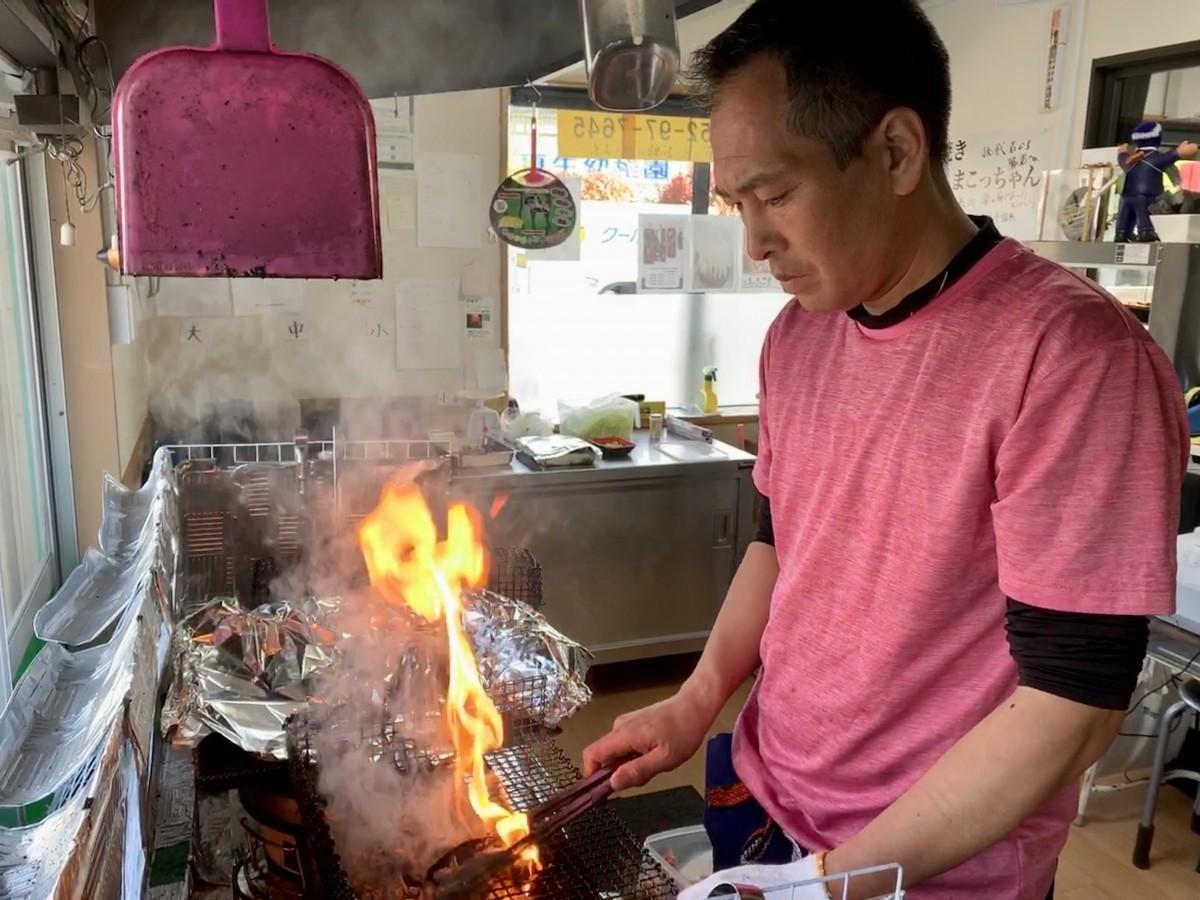 「炭焼き まこっちゃん」店主の大橋信さん
