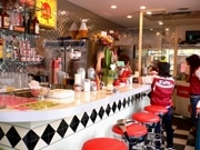 ハンバーガー激戦区、大須にアメリカンスタイルの新店