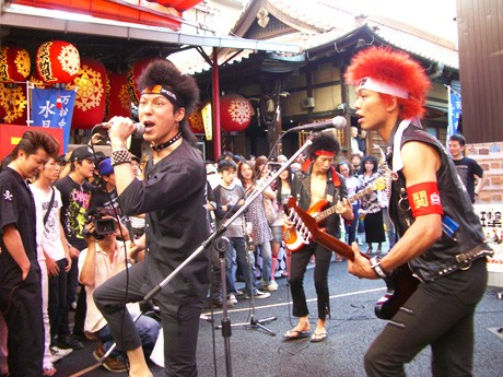 万松寺で初のパンクライブ「JAPAN-狂撃-SPECIAL」