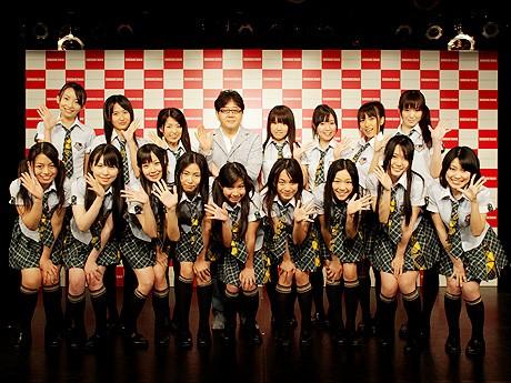 総合プロデューサーを務める秋元康さんと「SKE48」の新しいグループ「チームKII」