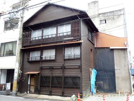 修復作業を終えた大須の「木造3階建て」の建物