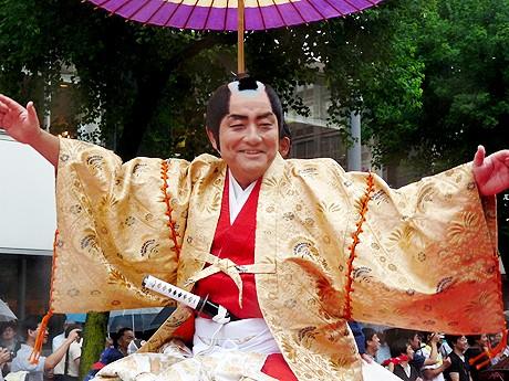 徳川宗春に扮し、満面の笑顔を見せた河村たかし市長