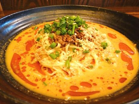 担々麺専門店・大須たんたんめんの「汁なし担々麺」
