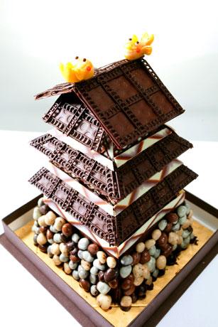 名古屋東急ホテルが発売している名古屋城をモチーフにした「お城ケーキ」