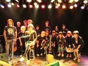 「ア フラッド オブ サークル」ボーカル、音楽専門学校でライブ-生徒が音響など担当