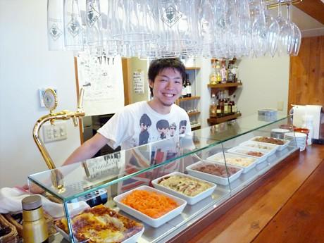 洋風小料理「LIBERTINES' BAR」をオープンしたオーナーの木村紳之介さん