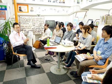 年齢や立場の垣根を越え、「働く目的」について考える(写真=「G-net 学生部 3charge」企画のイベントの様子)
