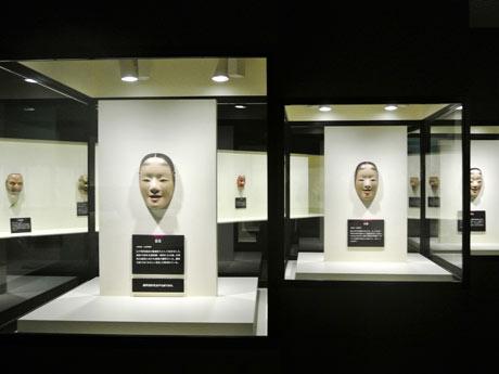 松坂屋名古屋店で開催されている「観阿弥生誕六八〇年 世阿弥生誕六五〇年記念 観世宗家展」