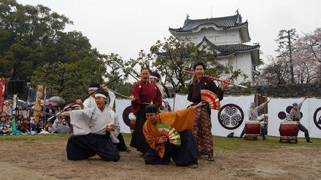 出立式で演武を披露する名古屋おもてなし武将隊