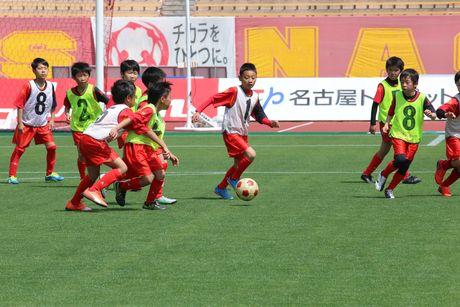 名古屋グランパスがサッカースクールのスクール生を募集 (C)N.G.E