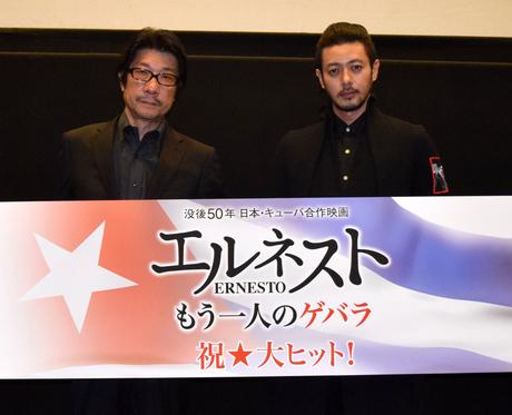 来名した阪本順治監督(左)とオダギリジョーさん